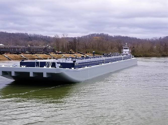 Maritime Partners launched the first of its new barges featuring coating systems from Sherwin-Williams in an inland waterway where it was ready to be put to work hauling commodities.