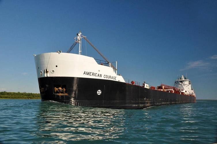 MV American Courage, a 194 metres Great Lakes self-unloading bulk freighter with a cargo carrying capacity of 24,300 gross tonnage, is the largest ship ever capable of performing automated docking and dock-to-dock sailing operations. © ASC-Rand Holdings LLC