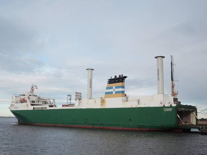 M/V Estraden vessel with two rotors fitted (Photo: International Windship Association)