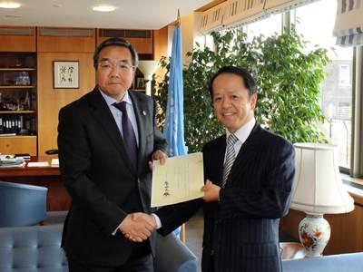 Noriyoshi Yamagami (right) with Koji Sekimizu (Photo: IMO)