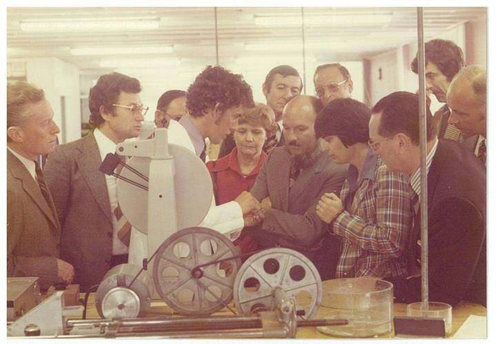 Geoff Binks gives technical demonstrations in his earlier years with Belzona (Photo: Belzona Polymerics Ltd.)