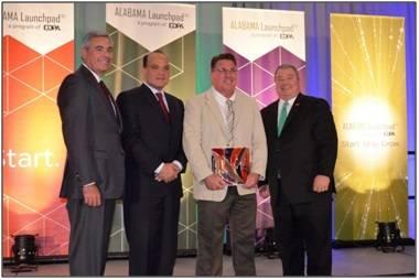 Horizon Shipbuilding, Inc. President, Travis Short receiving Alabama Innovation Award (Photo: Horizon)