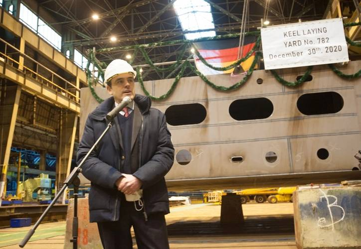 Philipp Maracke, CEO of FSG, in front of the first hull segment of newbuilding 782. Photo credit: FSG/Marianne Lins