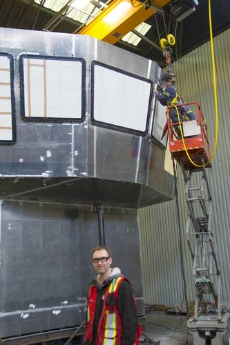 Project/Yard manager Marinus Goossen with the raised wheelhouse being fabricated. (Photo: Haig-Brown/Cummins)