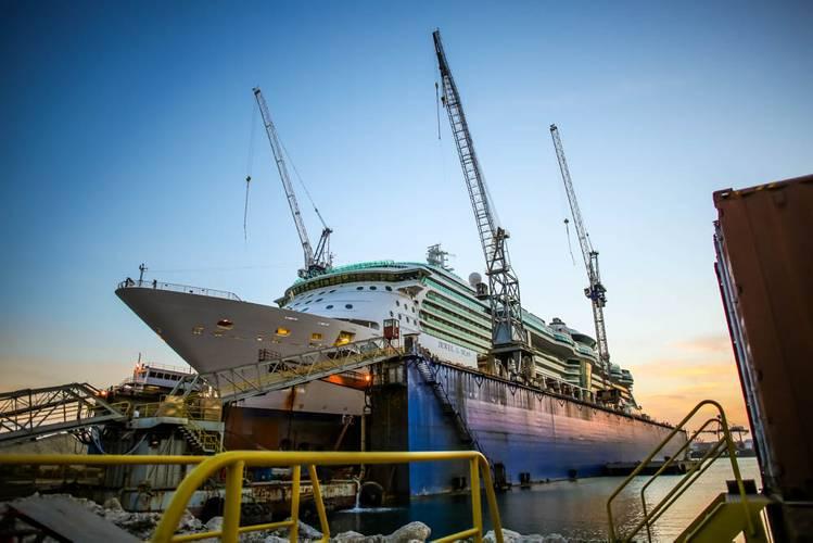 RCCL Jewel of the Seas (Photo: Grand Bahama Shipyard)