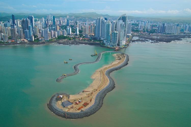 SECOND ARTIFICIAL ISLAND OF THE AMERICAS, PANAMA (Photo: Royal Boskalis)