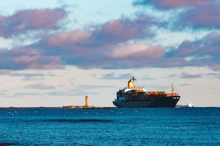 Shipping confidence remains at second-highest level despite marginal slip on geopolitical fears