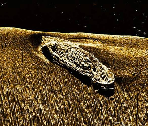 Side scan sonar image of LV-71 (Credit: NOAA)