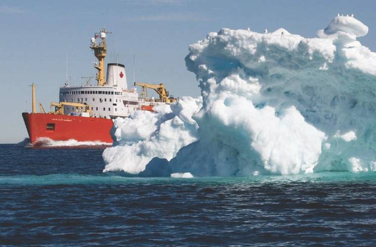 Small iceberg off the port bow of Canadian Coast Guard ship Louis St-Laurent. (Photo: Canadian Coast Guard)