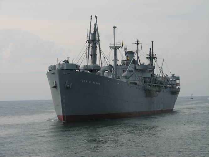 SS John W. Brown Liberty ship steaming down Chesapeake Bay en route port visits in Georgia and Florida in May 2002. (Credit: Project Liberty Ship)