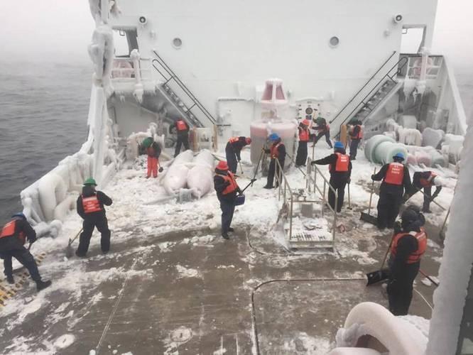 Straits of Mackinac and Lake Michigan, Dec. 19, 2016. (U.S. Coast Guard photo)