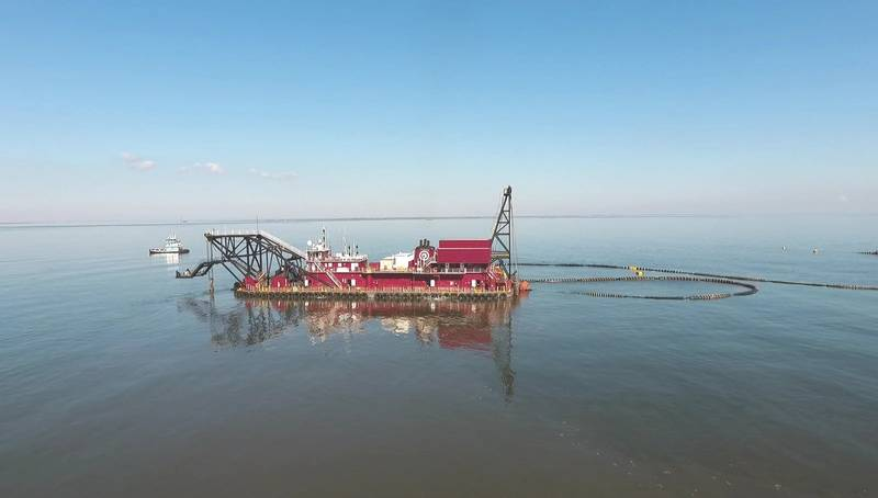 The dredge Alaska working on assignment at Cheneire Ronquile (Photo: GLDD)