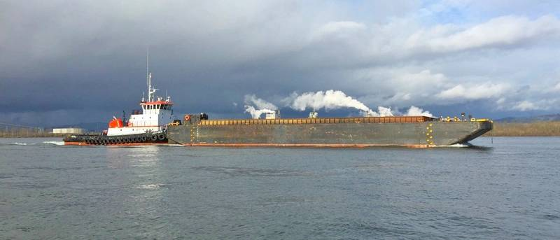 The James T pushing a barge on sea trials (Photo: Mike Fourtner / Cummins)