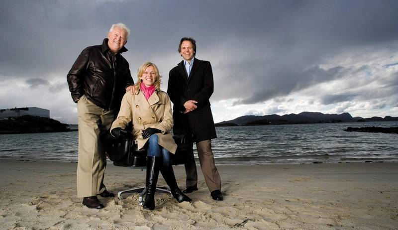The late Idar Ulstein, former CEO, with two of his children. Gunvor Ulstein is CEO, and Tore Ulstein is deputy CEO and Chair of the Group Board. (Photo: Ulstein)