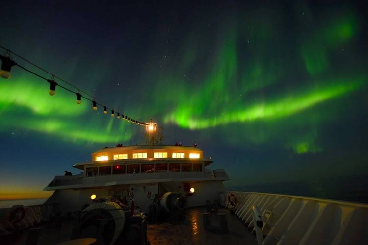 """""""The Northeast Passage is a spectacular voyage and always will be. This route is not comparable to a regular cruise,"""" said Captain Natke. (Photo: Hapag-Lloyd Cruises)"""