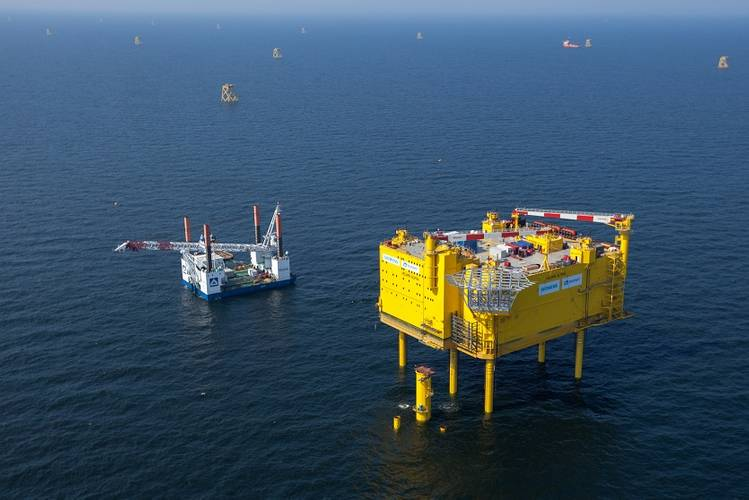The offshore platform is fixed at a height of 22 meters above sea level to protect it even against giant waves and the rough seas they produce. HelWin1 is designed for decades of operation in the rugged North Sea and will be monitored and controlled from land when it has been commissioned.