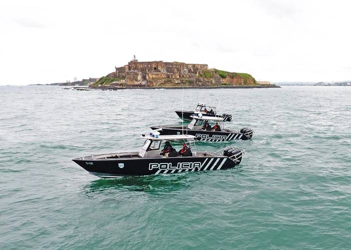 The PRPD operating its new Metal Shark 36 Fearless patrol boats at the entrance to San Juan Harbor, with the historic San Felipe del Morro fortress in the background. (Photo: Metal Shark)