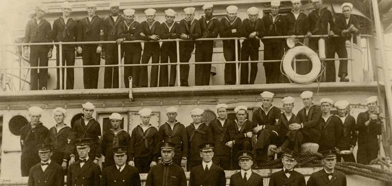 USS Conestoga officers and crew in 1921 (Naval Historical Center Photograph)