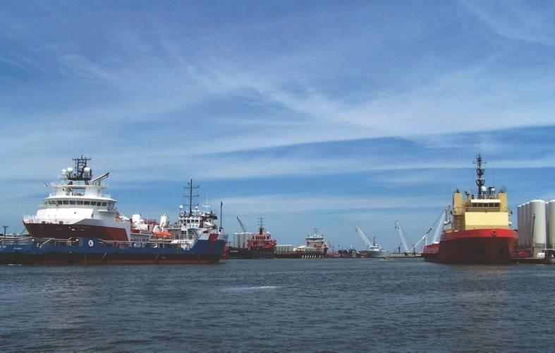 Vessels in Port Fourchon Waterway (Credit: Port Fourchon)