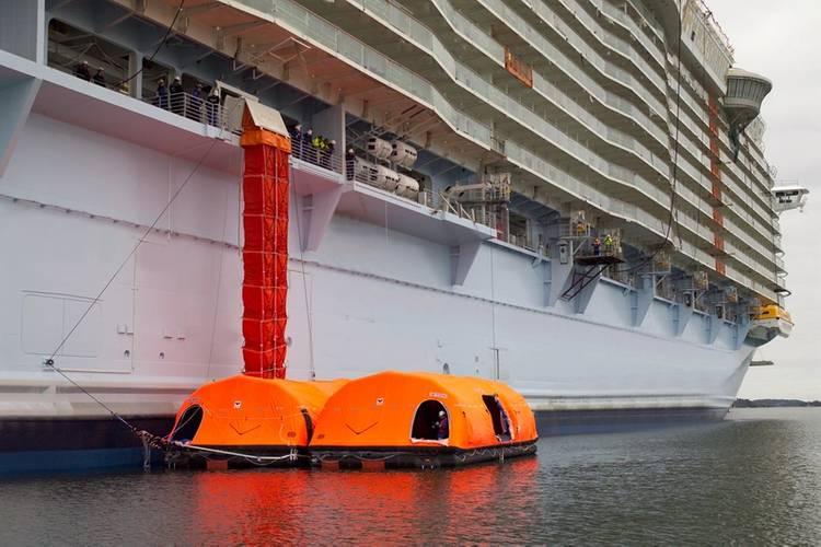 VIKING Marine evacuation system Photo Viking