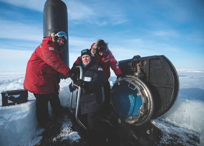 """""""While nominal force structure requirements for FY25 have not been determined, the Navy is committed to growing both the size and composition of the AUV force, said Secretary of the Navy (SECNAV) Ray Mabus, pictured in the Arctic Circle, greeting the captain and the chief of the boat as he boards the Los Angeles-class fast attack submarine USS Hampton (SSN 757) during Ice Exercise (ICEX) 2016. (U.S. Navy photo by Tyler Thompson)"""