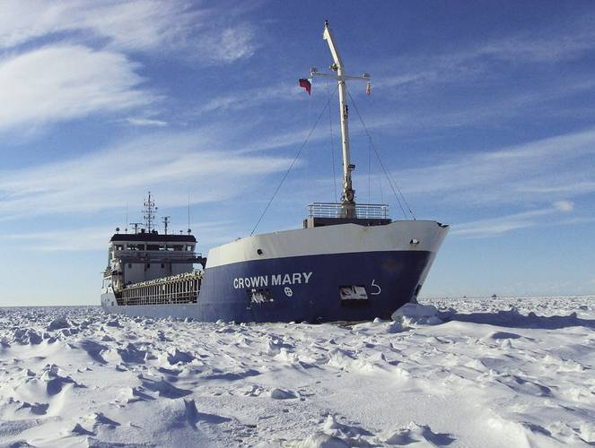 W&R Shipping MV Crown Mary in typical winter sailing conditions.