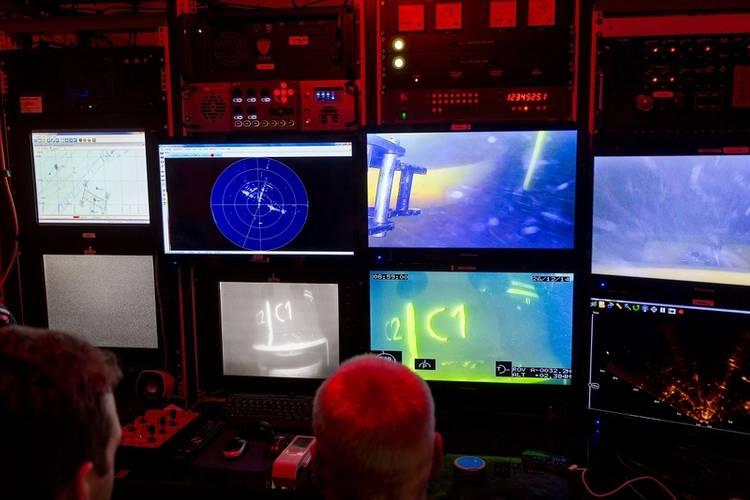 WROV control (Photo: SAL Heavy Lift)