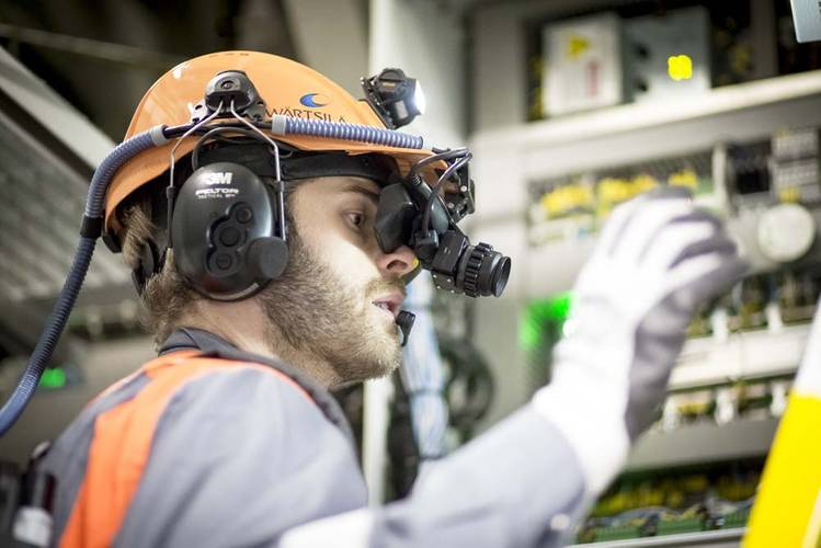 Wärtsilä has developed augmented reality goggles which makes it possible to provide the onboard service person with remote expert advice regardless of the ship's location.